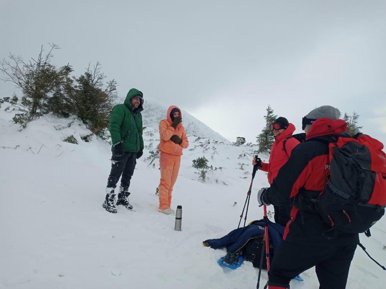 На спуску з Говерли рятувальники допомогли переляканим туристам (ФОТО, ВІДЕО)