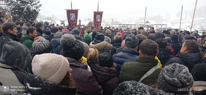 У Ворохті провели в останню путь цимбаліста Петра Сказківа (ФОТО)