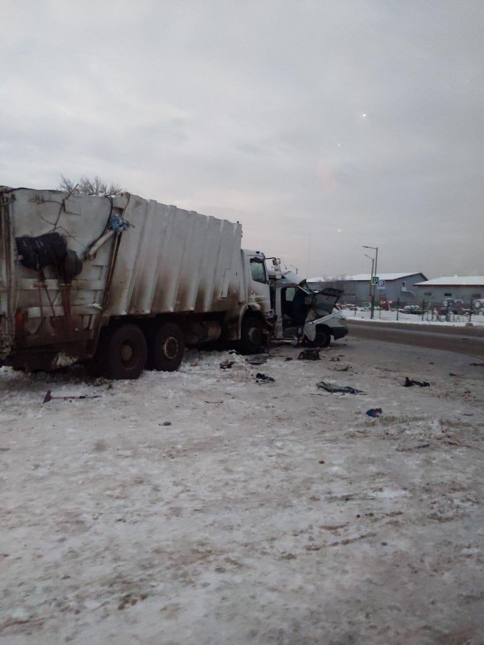 Двоє померли і 13 травмовані: у поліції назвали причини смертельної ДТП поблизу автобазару (ФОТОФАКТ)