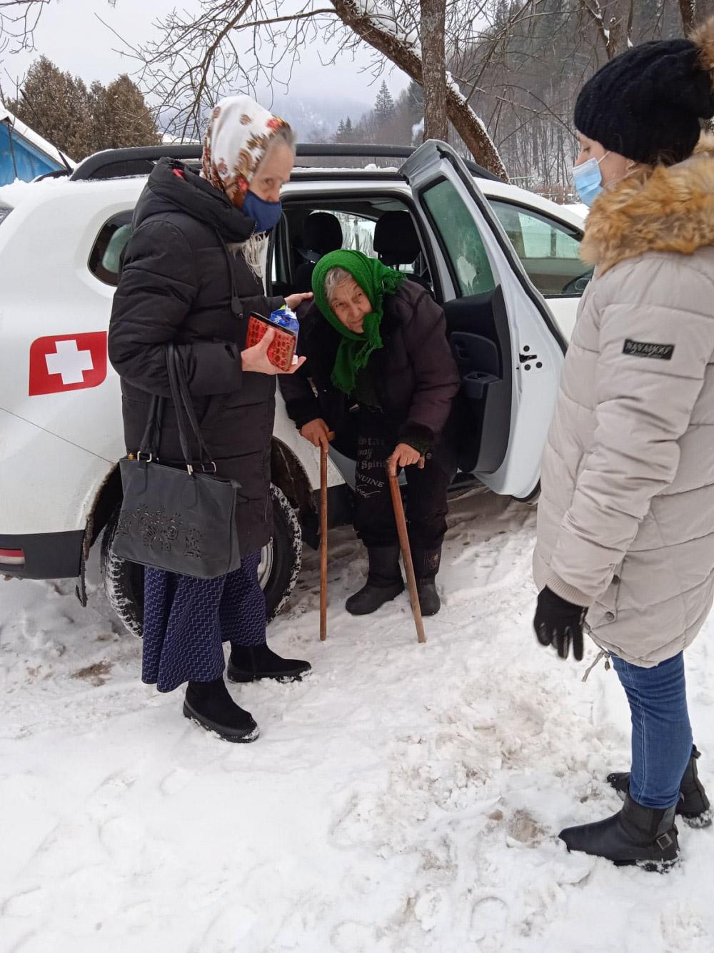 На Косівщині бабуся через погану погоду три дні не могла потрапити додому