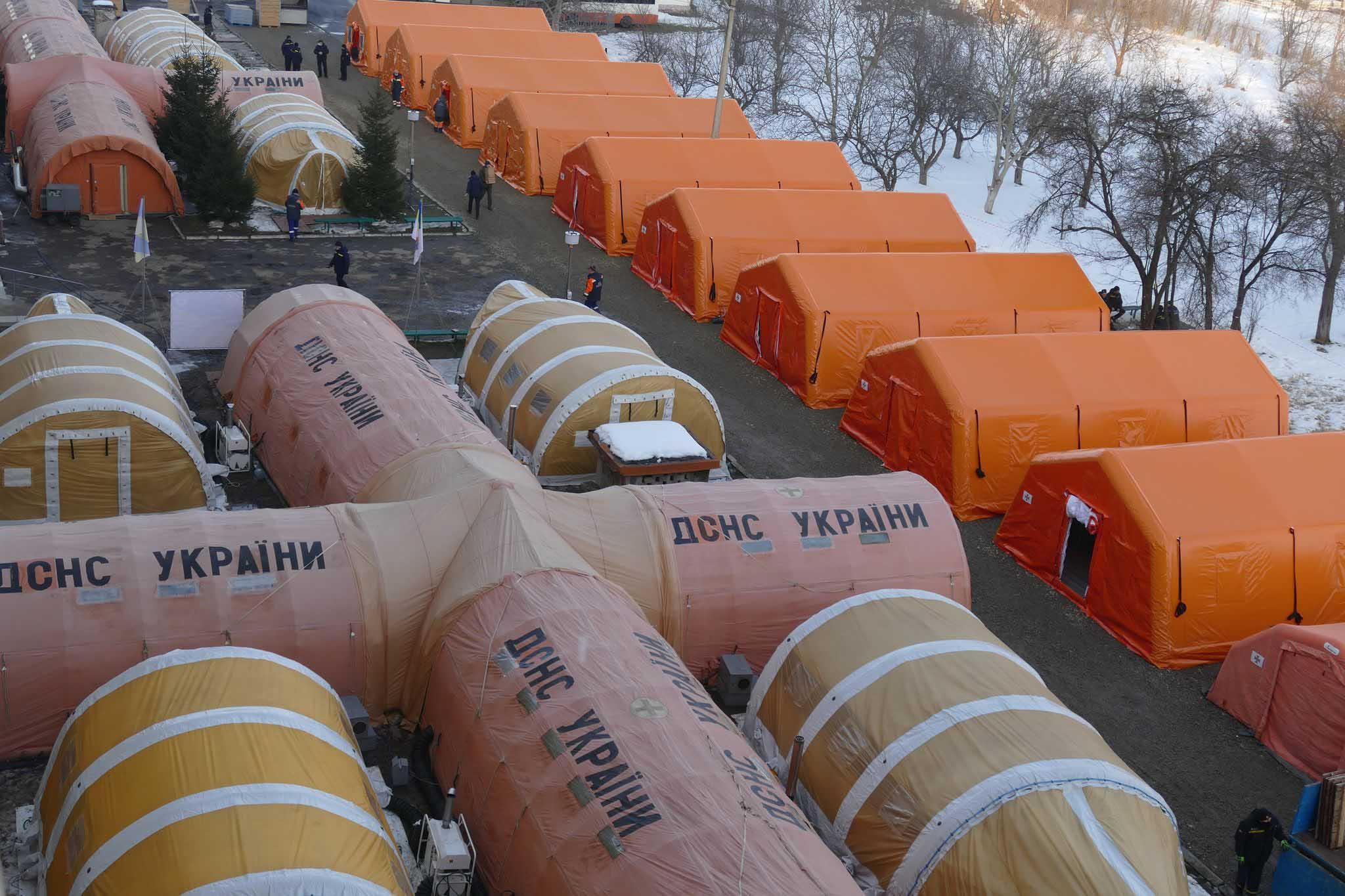 Мобільний COVID-шпиталь на Прикарпатті вже готовий приймати хворих (ФОТО, ВІДЕО)