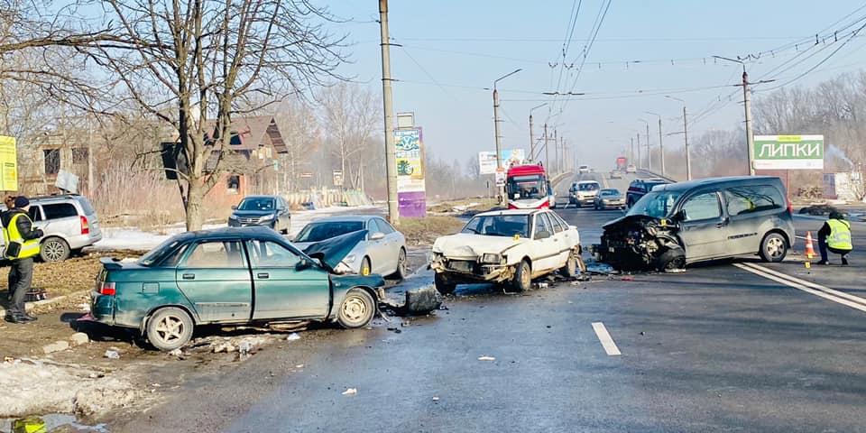 Загинули двоє молодих людей, ще одна жінка травмована: стали відомі подробиці смертельної ДТП під Франківськом (ФОТО)
