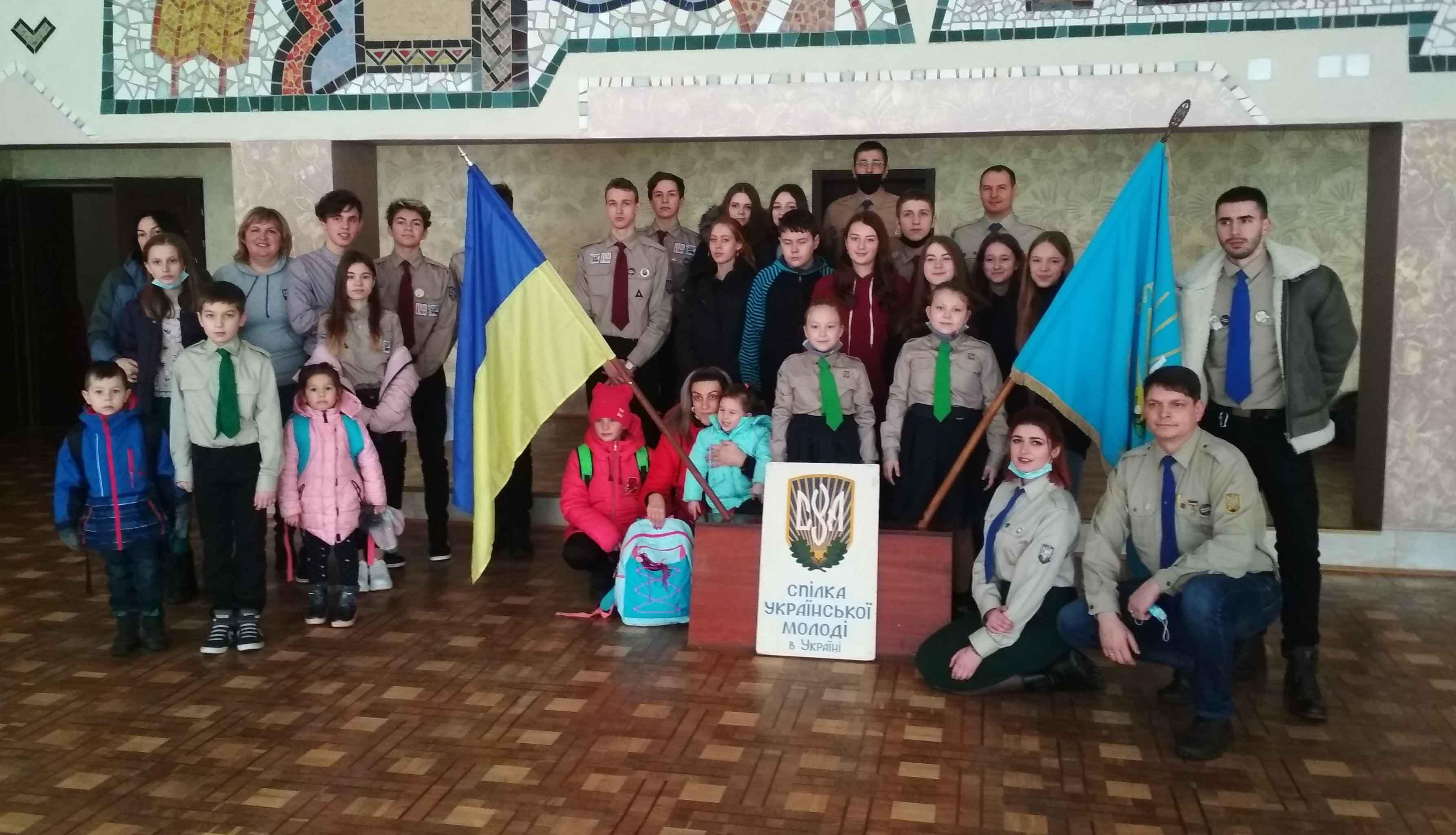 120 дітей калуських ветеранів АТО/ООС отримали подарунки від ровесників зі США (ФОТО)
