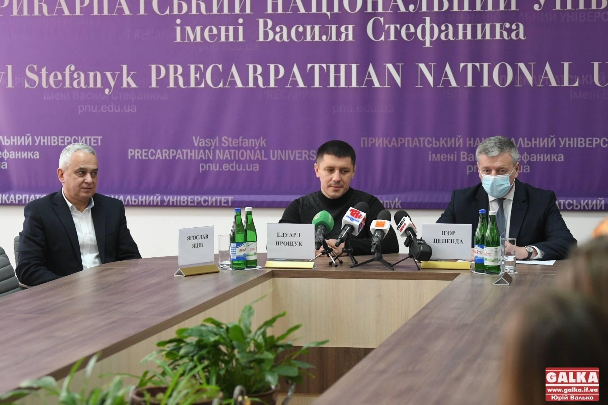 Три «золота», два «срібла» та «бронза»: найвдаліший виступ прикарпатських борців на дорослому Чемпіонаті України (ФОТО)