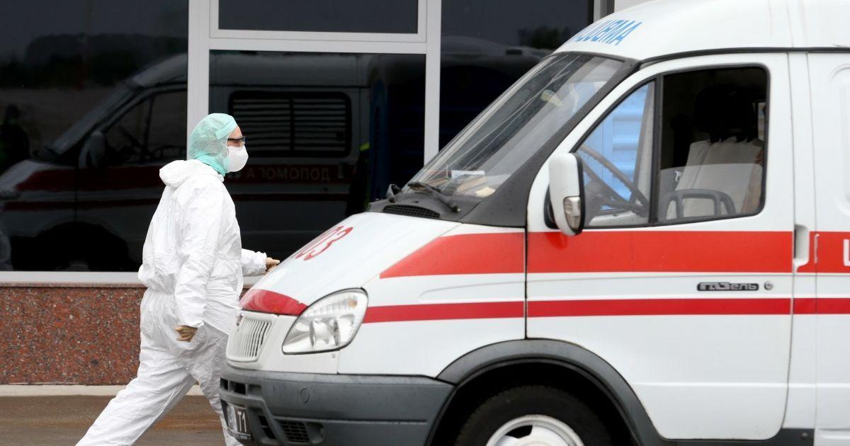 У четвер на COVID-19 захворіли дев'ять прикарпатців, одужали десять, одна людина померла