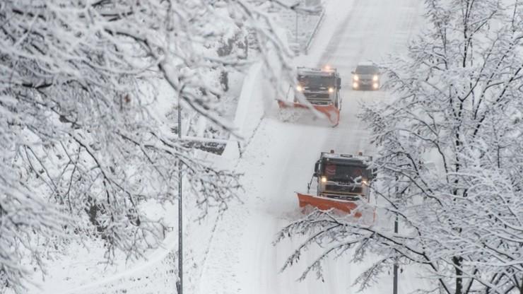 Проїзду немає: частина доріг на Городенківщині під сніговими заметами