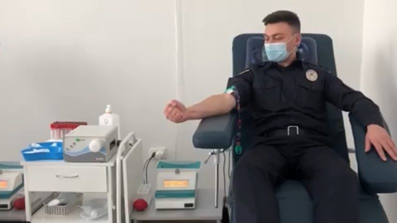 Прикарпатські правоохоронці здали кров для онкохворих діток (ФОТО, ВІДЕО)