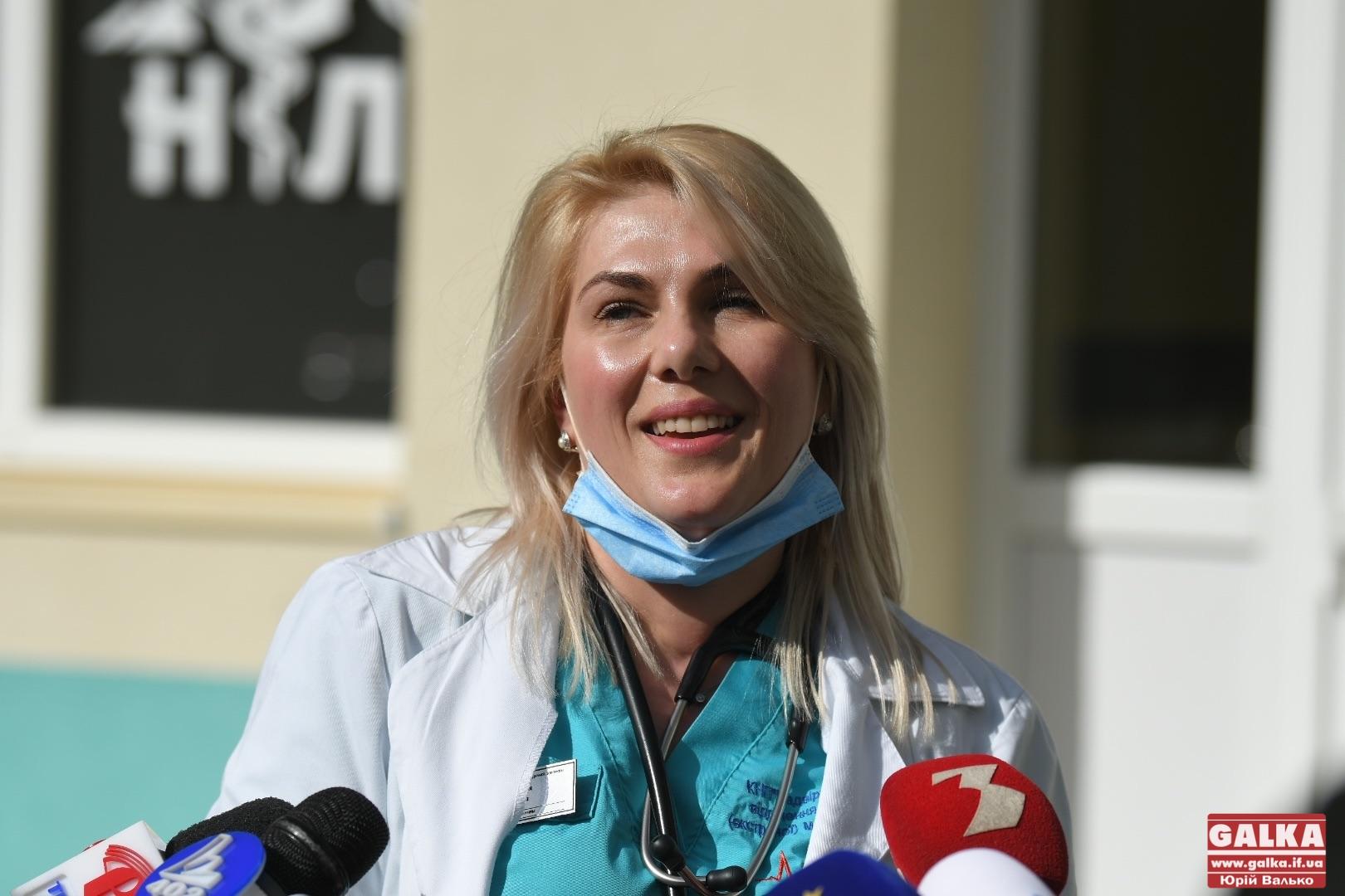 Першою на Прикарпатті вакцину від COVID-19 отримала надвірнянська лікарка (ФОТО)