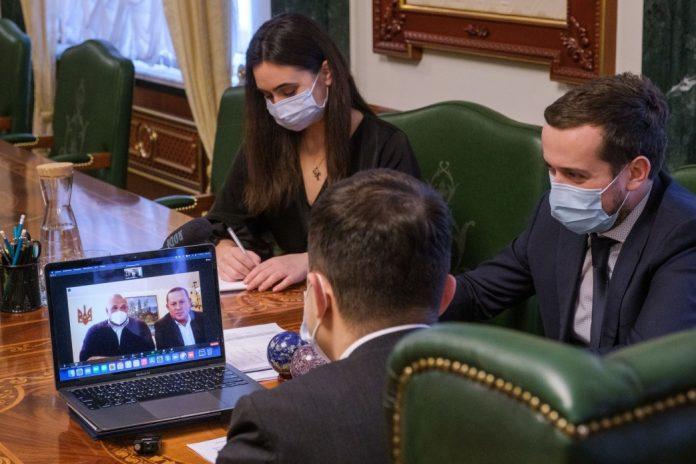 Зеленський поспілкувався із Вірастюком: говорили про вакцинацію на Франківщині та компенсацію збитків підприємцям через карантин