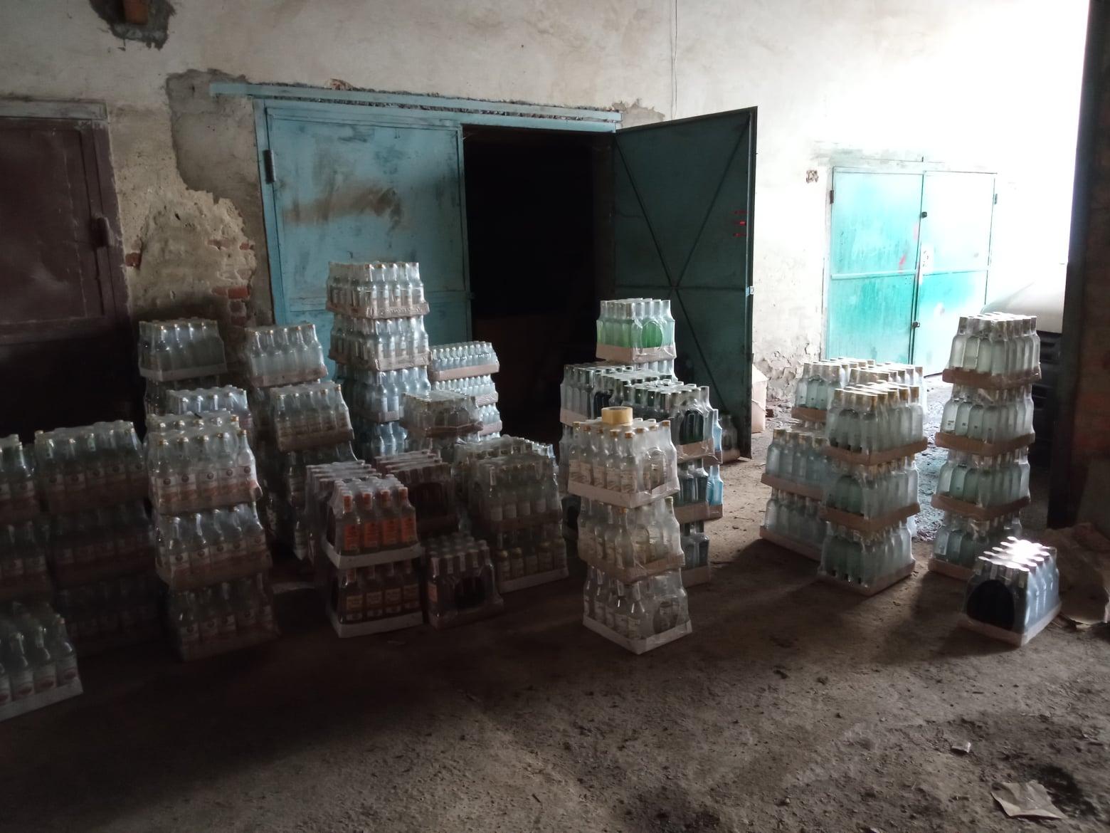У Франківську з незаконного обігу вилучили понад 4 тисячі літрів фальсифікованого алкоголю (ФОТО)
