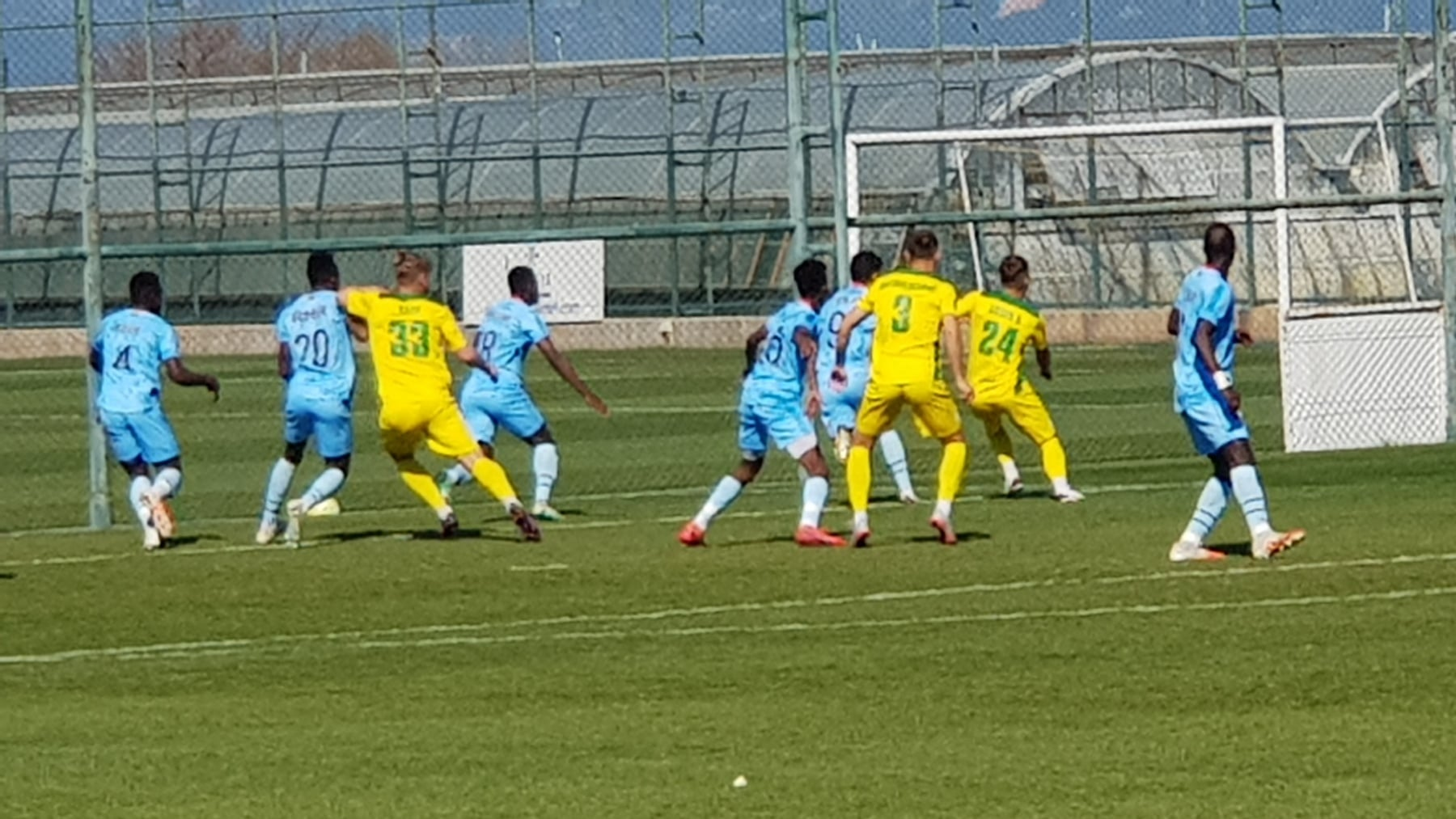 """Галицькі """"Карпати"""" мінімально поступилися команді з Мавританії (ФОТО, ВІДЕО)"""