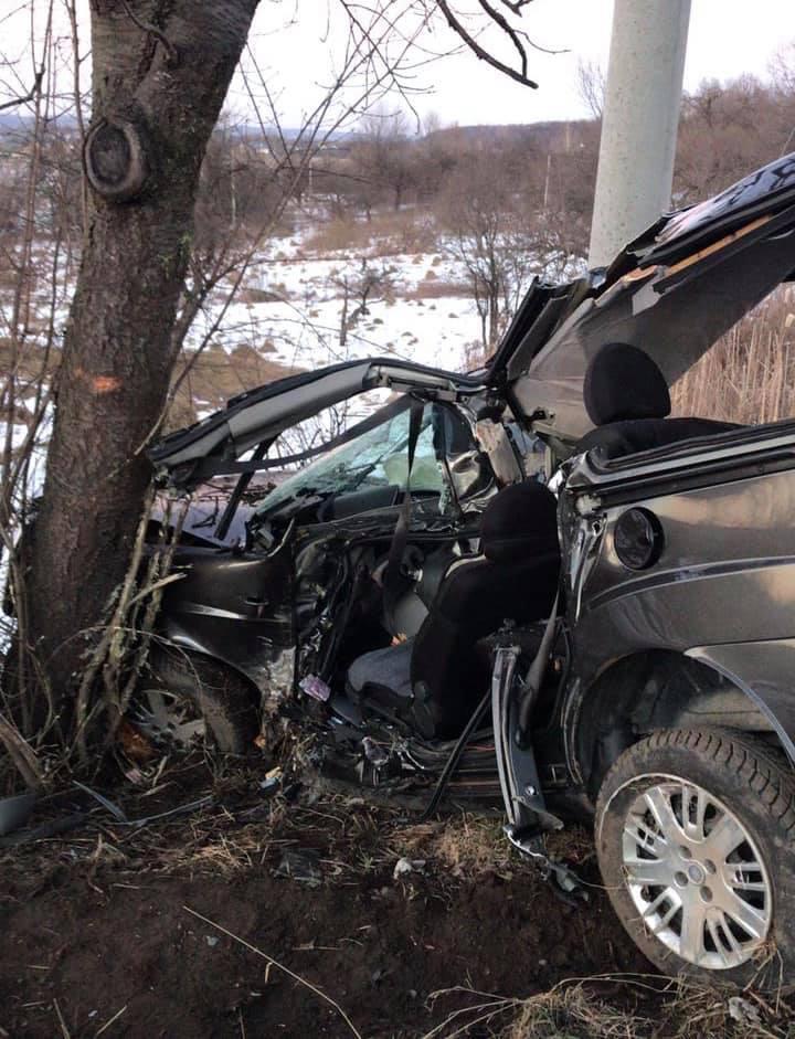 У ДТП на Косівщині загинули двоє людей (ФОТО)