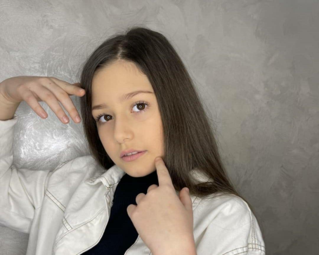 Юна франківська співачка Маргарита Кос змагається за звання Mini Miss West Ukraine