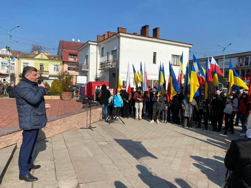Віче в Надвірній: Ноняк з прихильниками закликали провести чесні вибори (ВІДЕО)