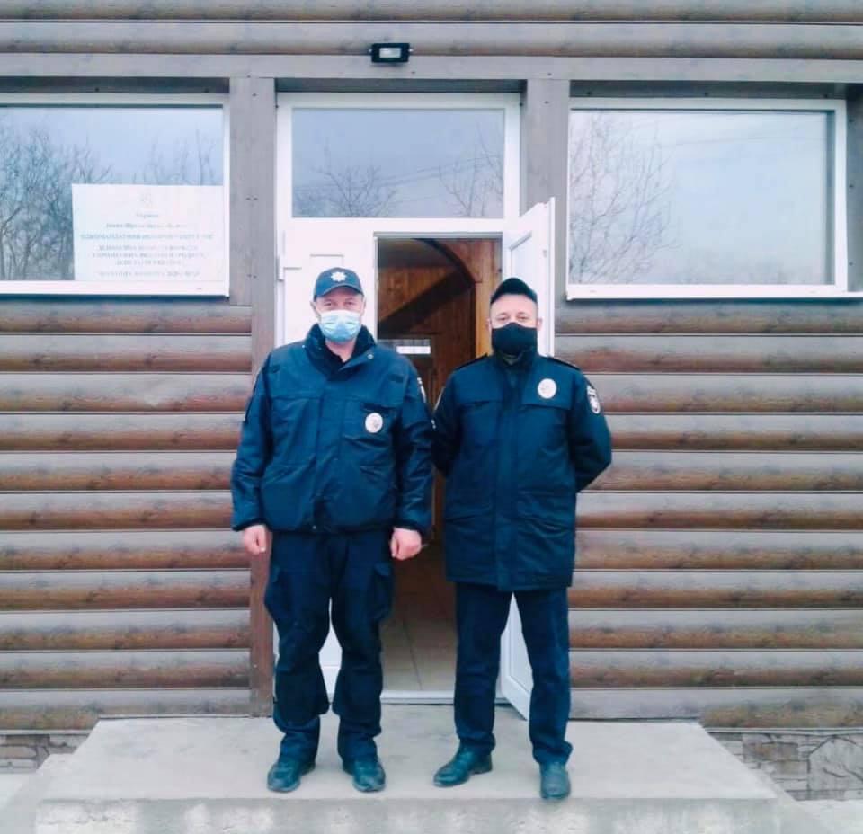 Поліція Прикарпаття забезпечує публічну безпеку та порядок під час виборів (ФОТО)