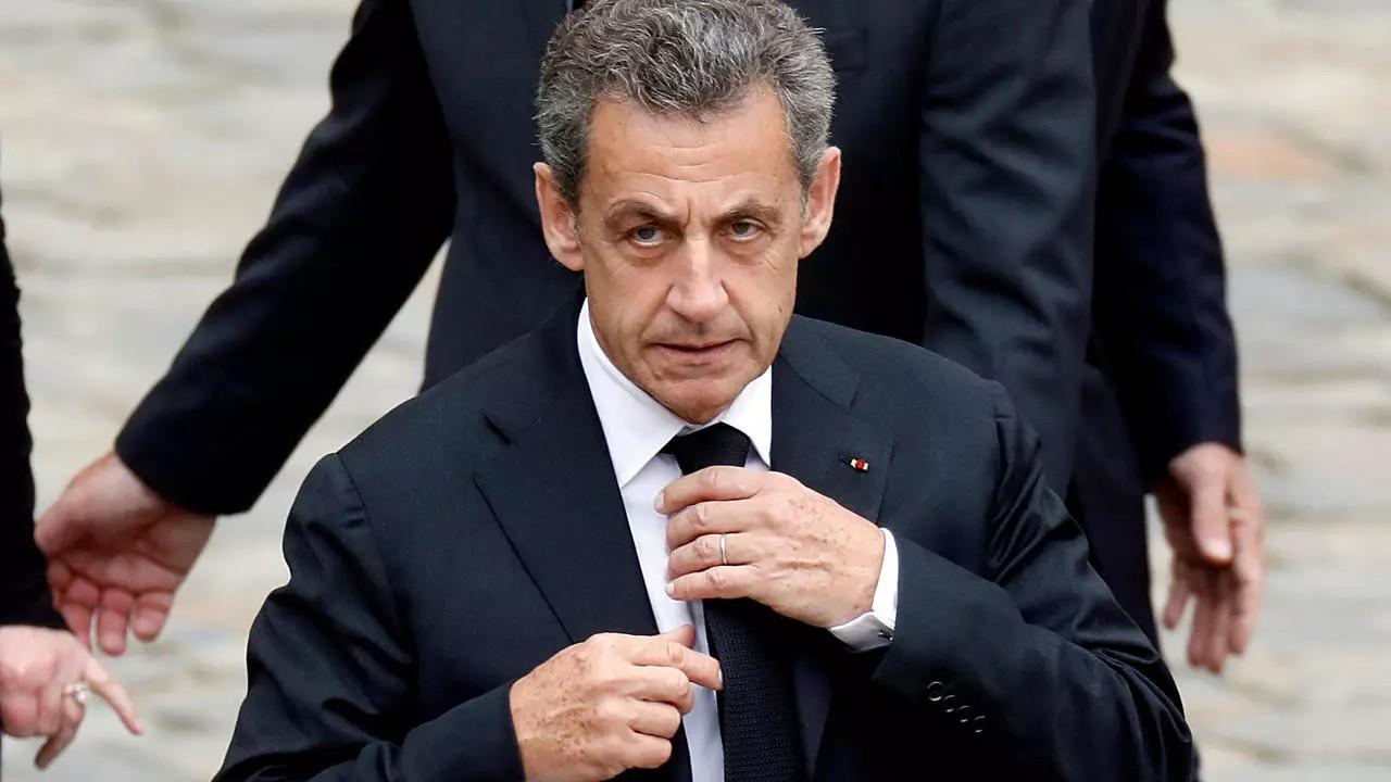 Експрезидент Франції Ніколя Саркозі отримав три роки за звинуваченням в корупції