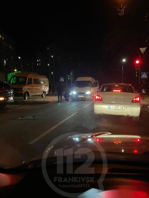 Переходила дорогу на зелене: на Незалежності водій на смерть збив жінку (ФОТОФАКТ)