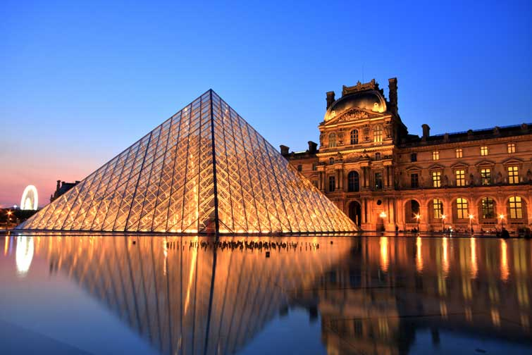 Потрапити у Лувр з дому: музей виклав всю колекцію творів онлайн