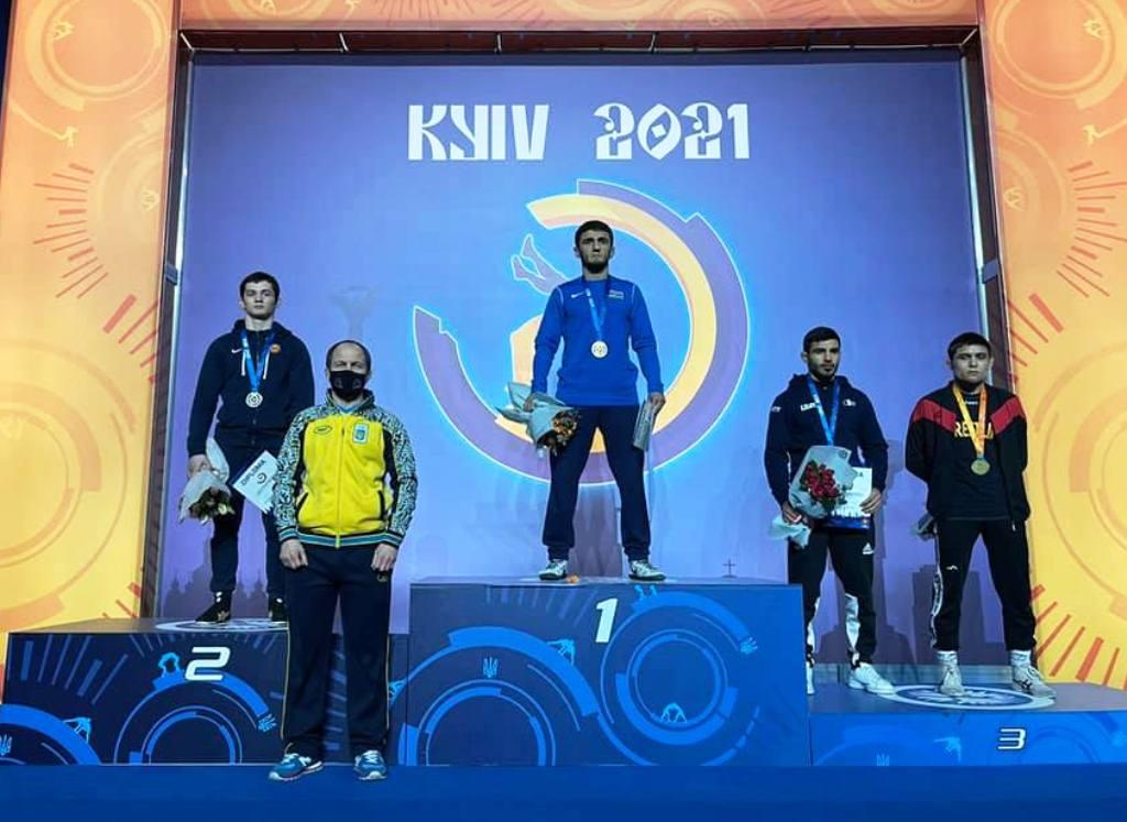 Прикарпатський борець став срібним призером міжнародного турніру в Києві (ФОТО)