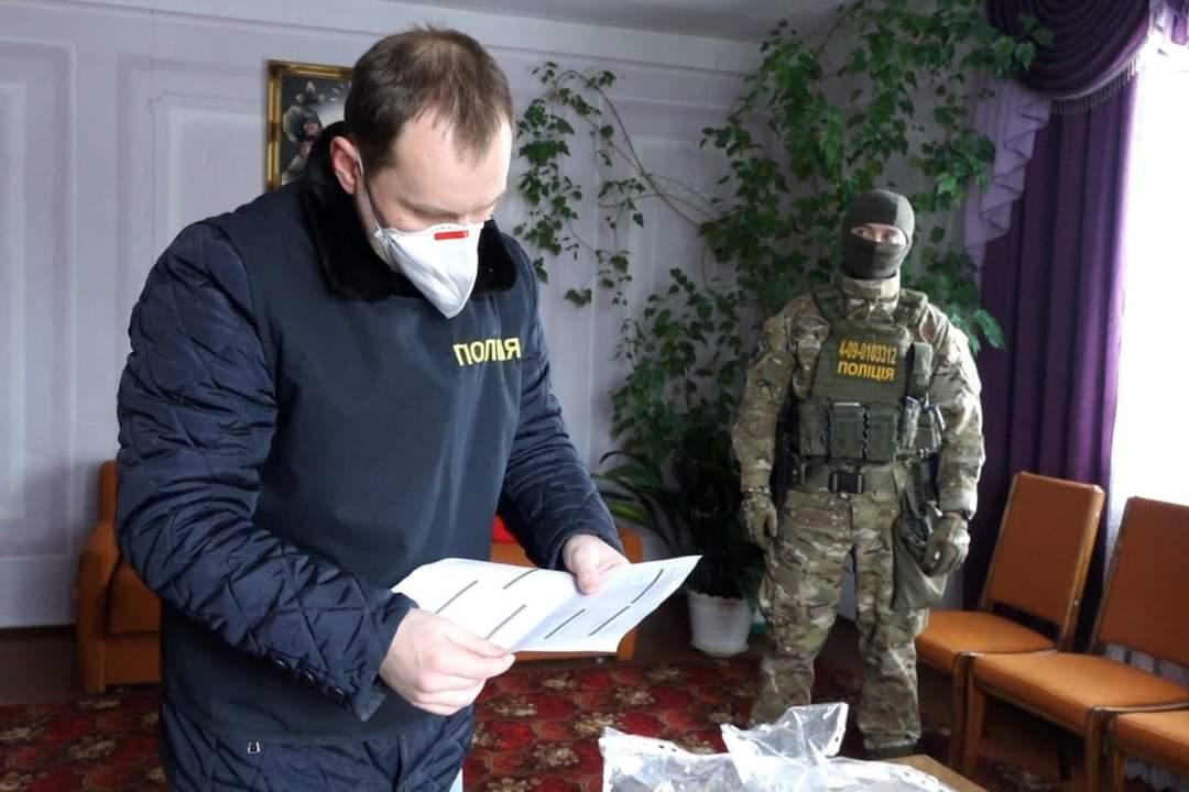 На Косівщині поліція з КОРДом провела обшуки у лісових господарствах і на пилорамах (ФОТО)