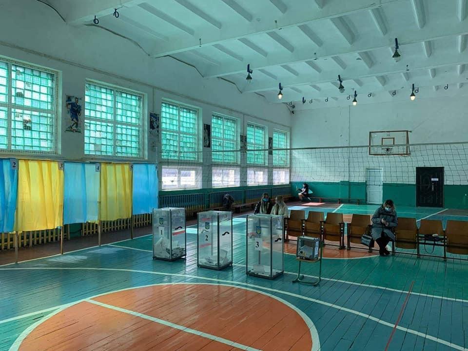 Явка виборців на Прикарпатті станом на 16 годину – 21% (ФОТО)