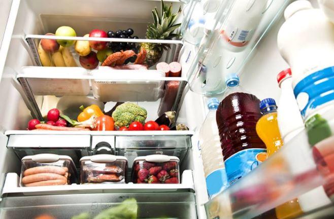 Як зберігати продукти в холодильнику довше: три корисні поради