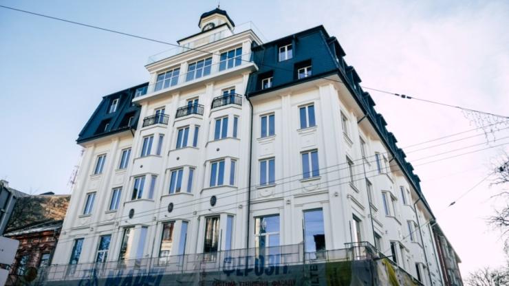 «Я хочу, щоб ми об'єднались і допомогли йому вижити», – Юрій Андрухович висловився на підтримку протестів щодо готелю «Дністер»