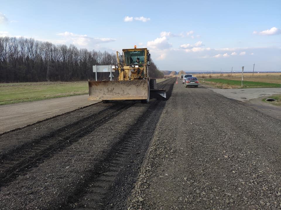 Цьогоріч на Прикарпатті повністю відремонтують дорогу Н-09 (ФОТО)