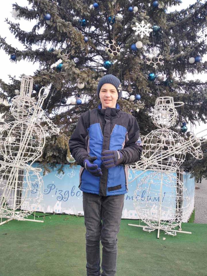 Не повернувся з уроків: на Коломийщині зник школяр – його шукають поліція і рідні (ФОТО, ОНОВЛЕНО)