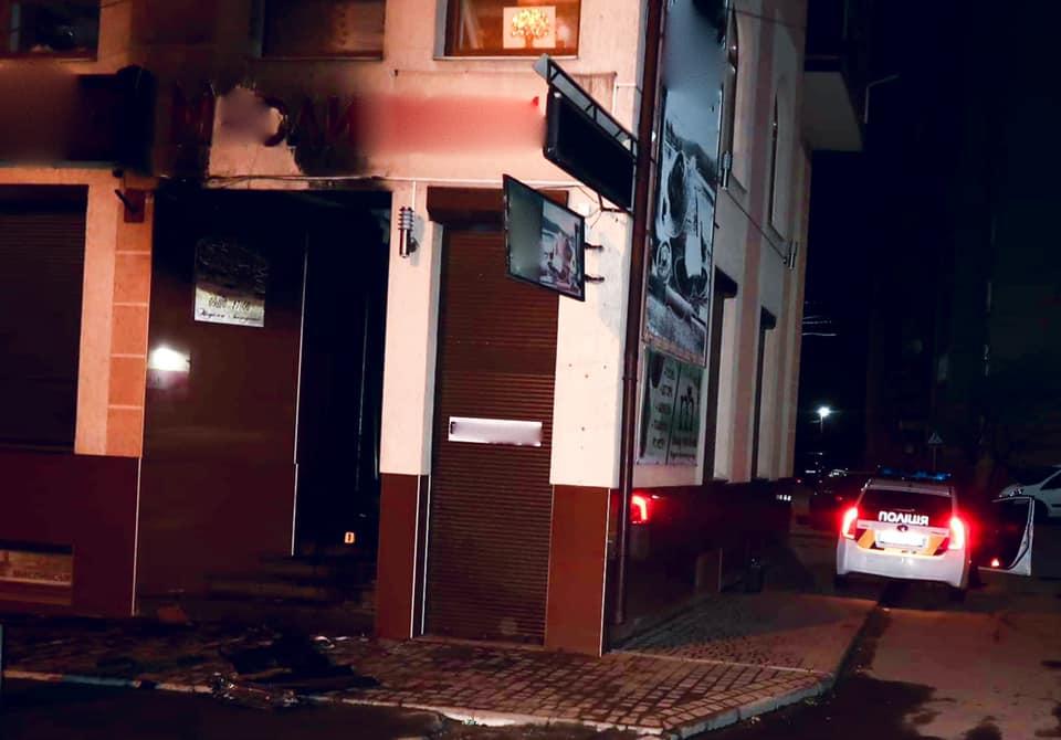 У Калуші невідомі підпалили ювелірний магазин (ФОТО)