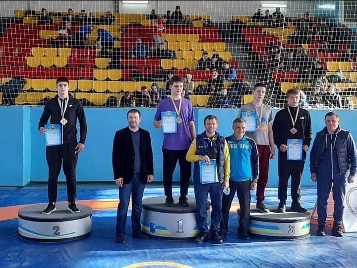 Сім медалей везуть прикарпатські борці з Чемпіонату України серед юнаків