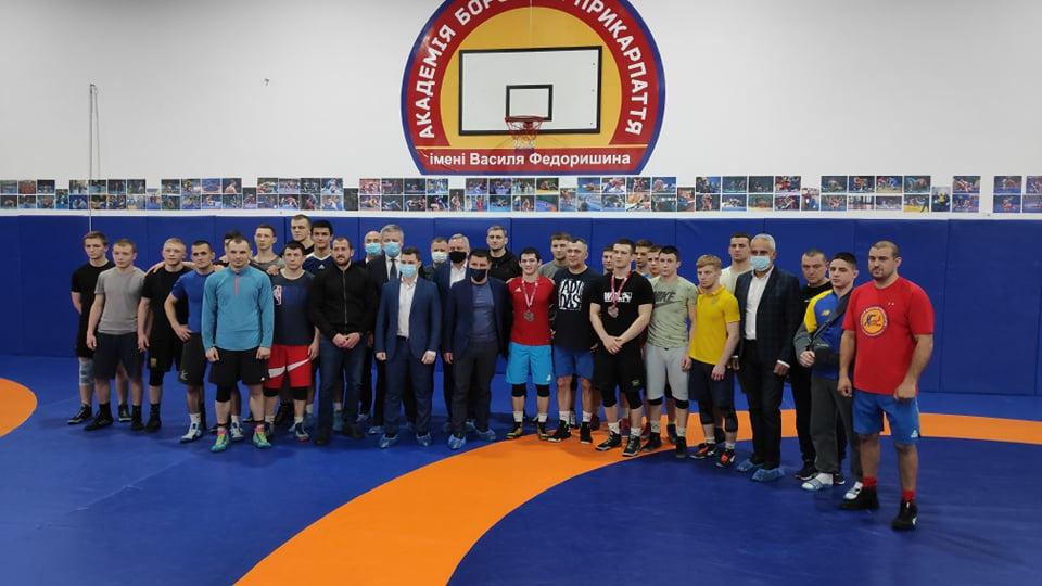 Ці медалі – з поту і крові: у Франківську урочисто привітали двох призерів Чемпіонату Європи з вільної боротьби (ФОТО)
