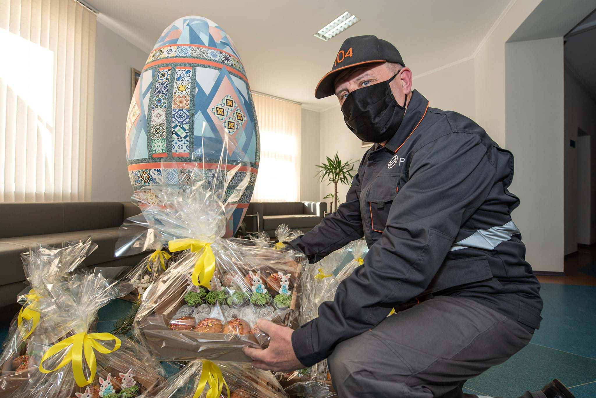 Газовики передали святкові гостинці Снятинському психоневрологічному інтернатові (ФОТО)