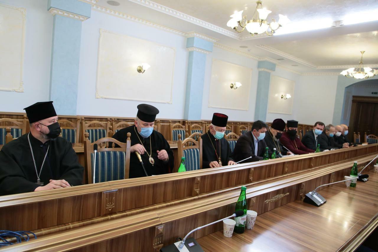 Голова ОДА та представники церков радилися, як під час святкування Великодня не поширювати COVID-19