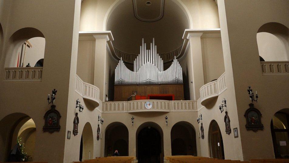 82-літній голландець: як єдиний в області орган доповнює храм у Франківську (ФОТО, ВІДЕО)