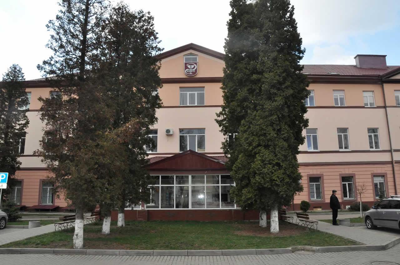 Голова ОДА показав, як у ЦМКЛ Франківська завершують зведення відділення екстреної медичної допомоги (ВІДЕО)