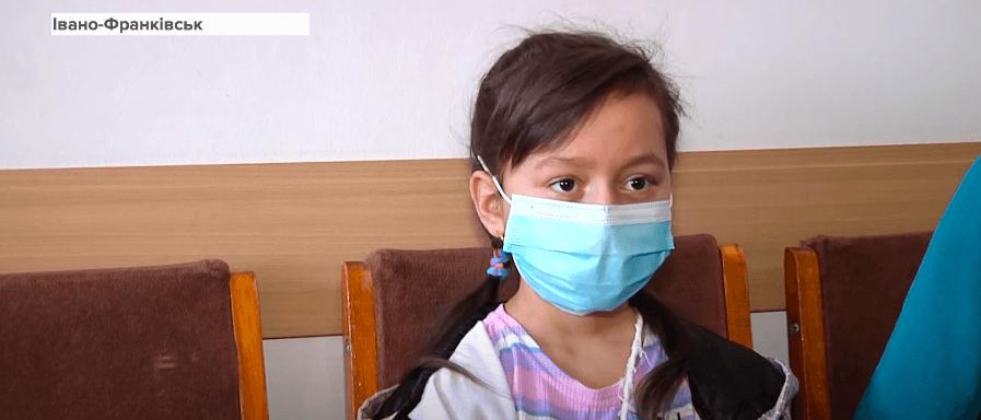 Дівчинці з Прикарпаття першою в Україні пересадили печінку від живого донора (ВІДЕО)