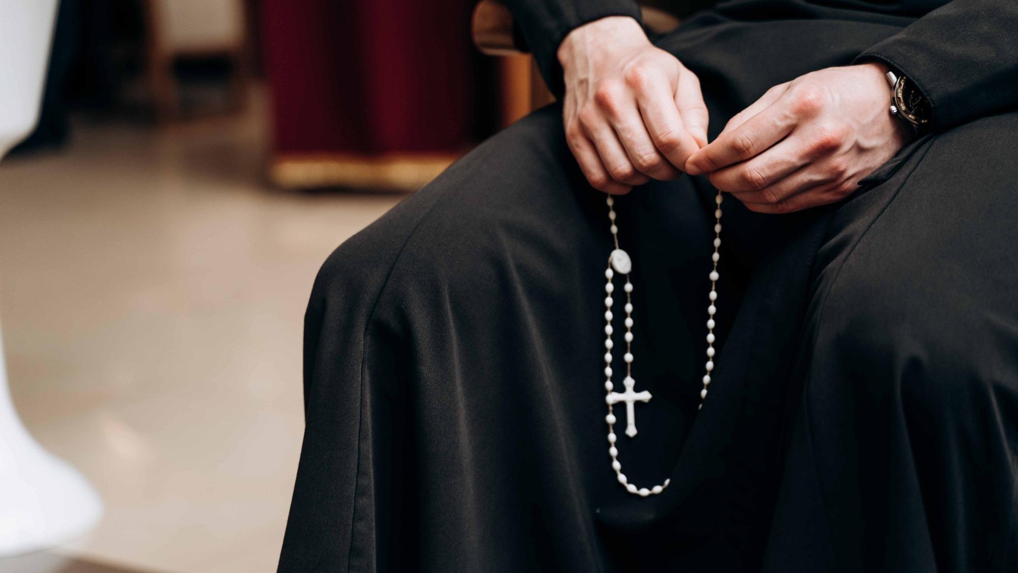 Франківців запрошують на онлайн-молитву Вервиці до Дня матері