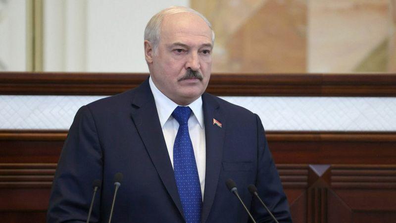 Літак розвернули біля АЕС. Лукашенко вперше прокоментував посадку рейсу Ryanair