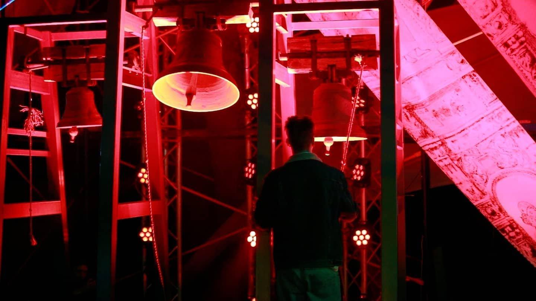 Електронні гаївки у палаці Потоцьких: у Франківську влаштували великодній лазерно-світловий перформанс (ФОТО, ВІДЕО)