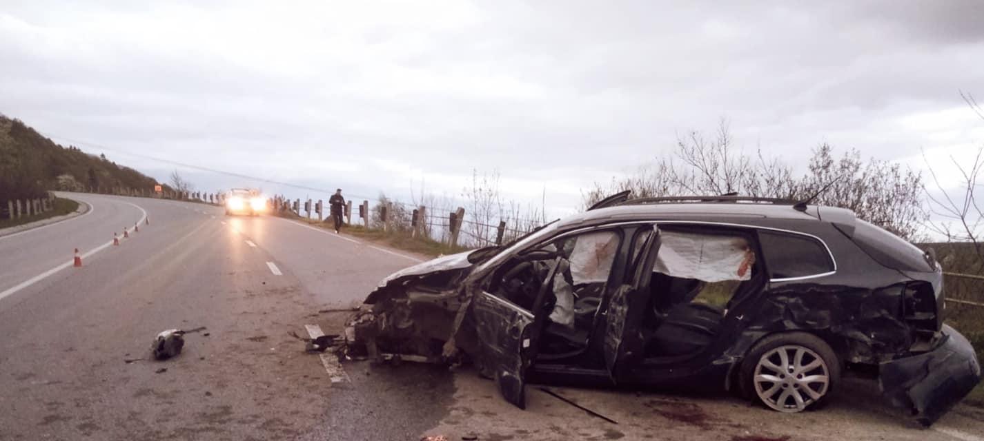 У Крилосі п'яний водій врізався у відбійник, загинув пасажир (ФОТО, ВІДЕО)