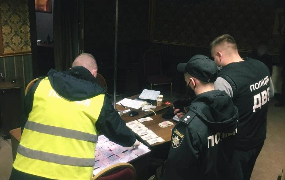 У Франківську поліція викрила роботу нелегального грального закладу (ФОТО)