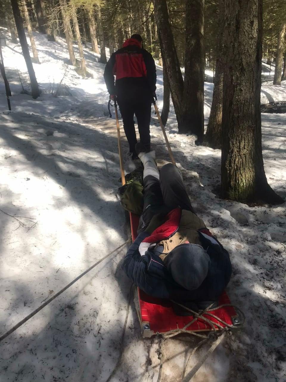 У вівторок рятувальники допомогли двом туристам, котрі мали проблеми під час сходження на Говерлу (ФОТО)