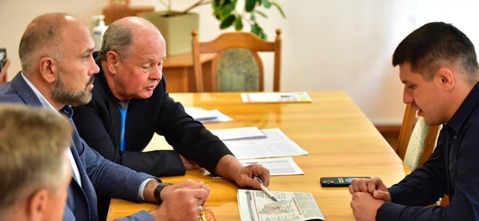 Дороги та школи: Едуард Прощук окреслив, які проблеми треба розв'язувати на Рогатинщині першочергово