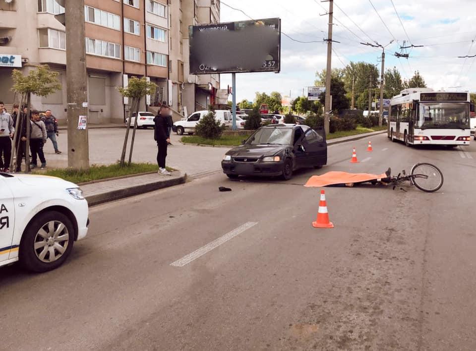 На Івасюка велосипедист потрапив під колеса авто: чоловік не вижив (ФОТО, ВІДЕО, ДОПОВНЕНО)