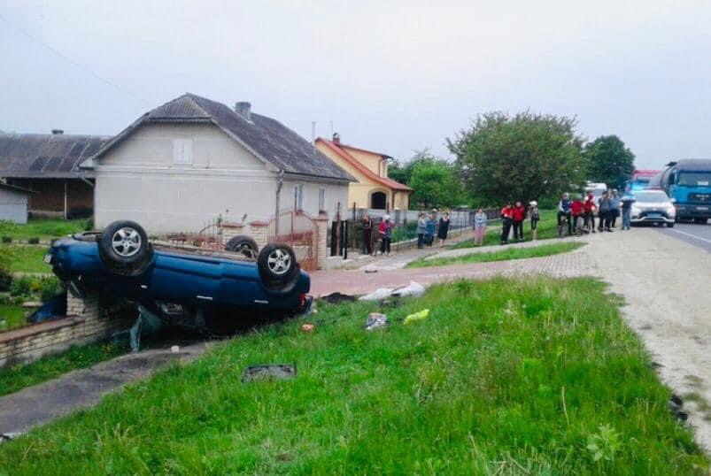 У ДТП на Калущині одна людина загинула, ще двоє травмувалися (ФОТО)