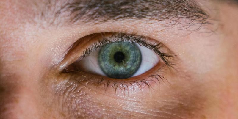 Вчені частково відновили зір осліплому 20 років тому чоловікові