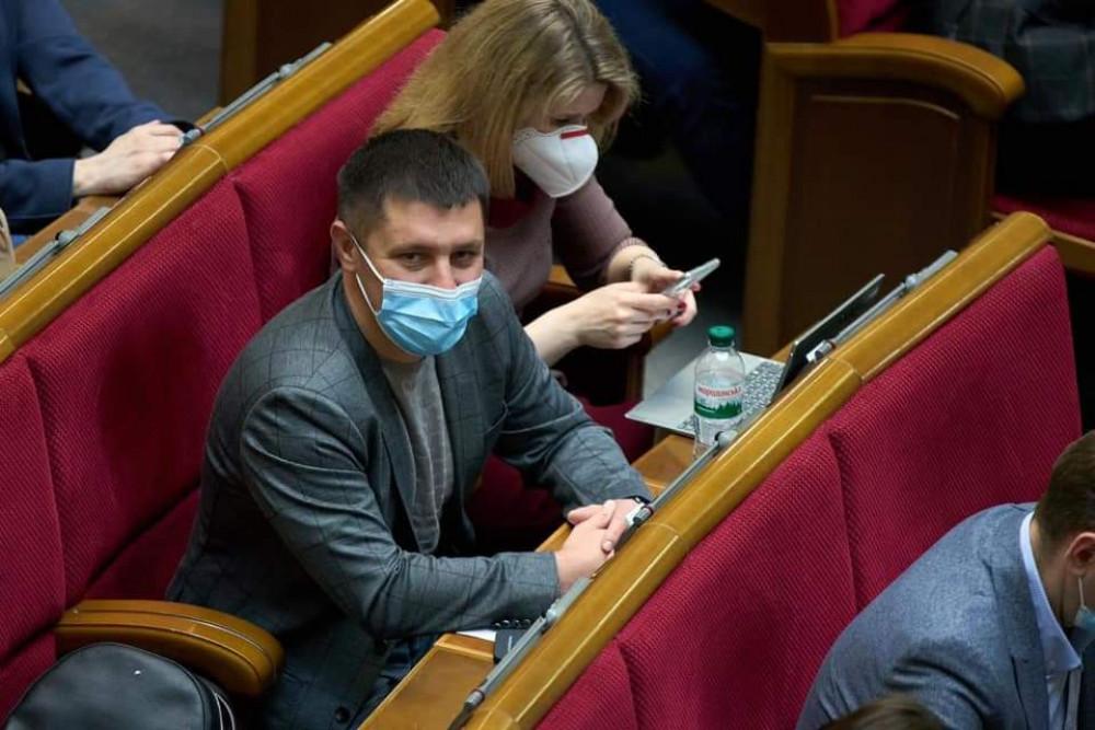 Едуард Прощук звернувся до Степанова щодо повної виплати зарплати медикам гірських районів