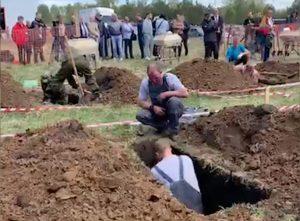 У Росії провели чемпіонат з копання могил (ВІДЕО)