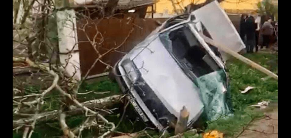 На Косівщині автомобіль врізався у дерево. Юний водій загинув на місці (ФОТО)